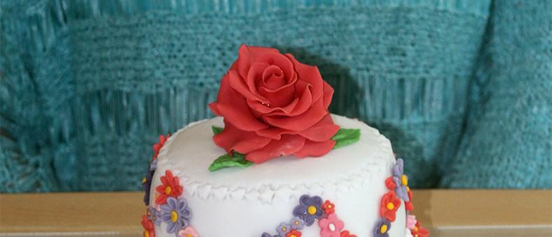 Et voilà ! N'est-il pas réussi mon premier weeding cake ?
